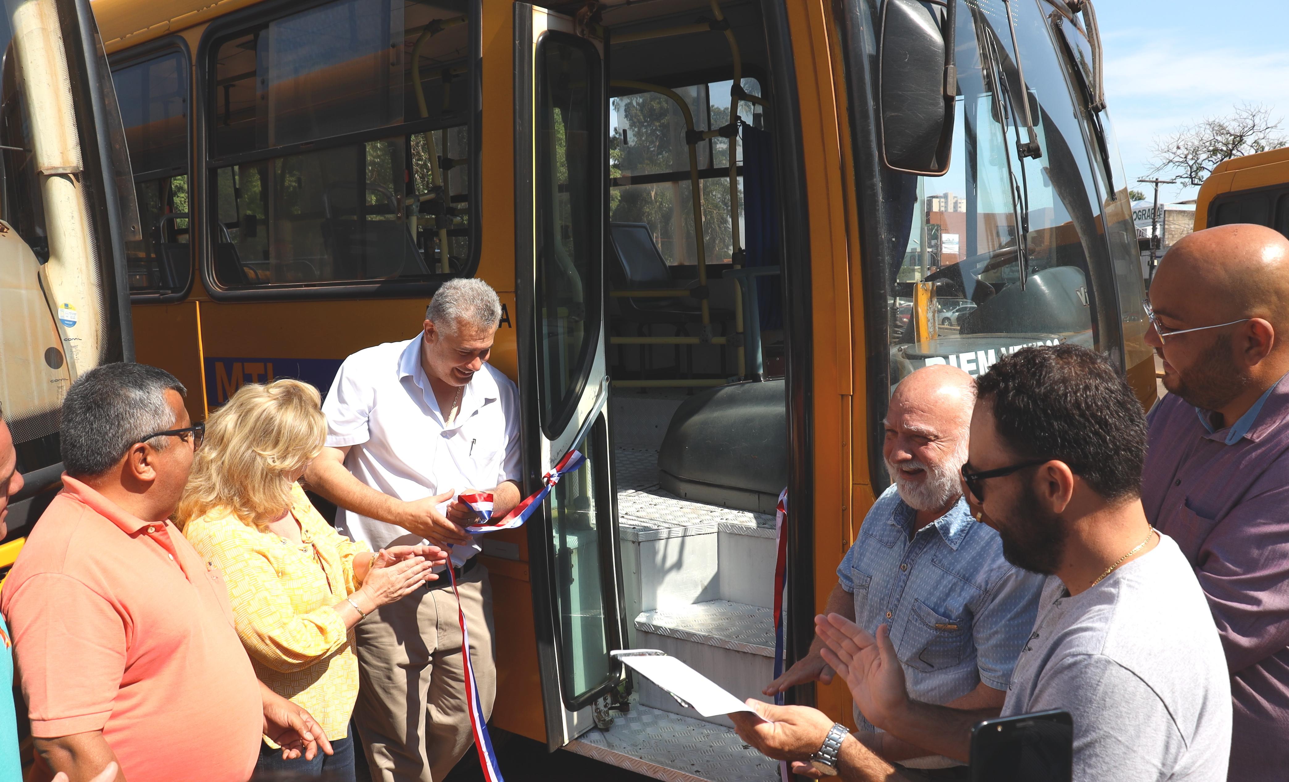 Ato marcou lançamento da linha de transporte de passageiros em Pedro Juan