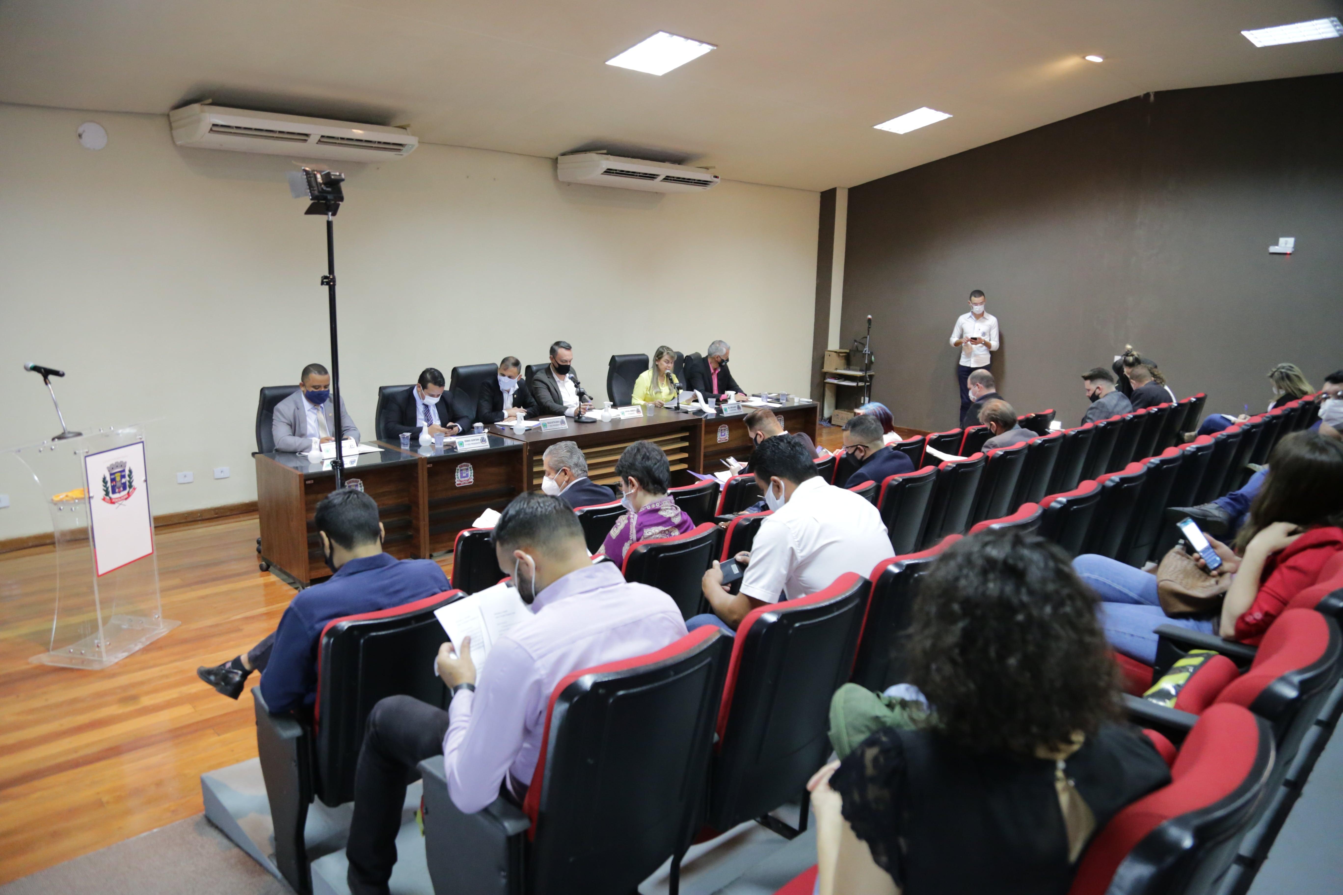 Câmara de Ponta Porã aprova repasse financeiro à APAE e marca audiência para prestar contas